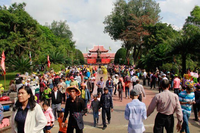 Đoàn Nghệ thuật Hồng Ân hâm nóng lễ hội Đống Đa – Tây Sơn Bình Định - H2