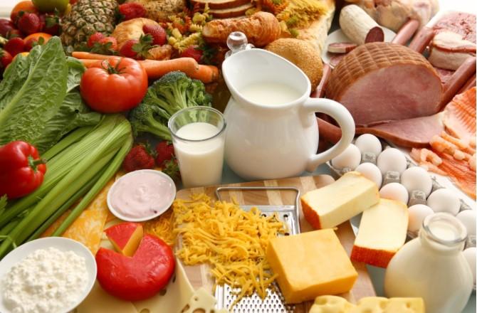 Lời khuyên của chuyên gia về chế độ cân bằng dinh dưỡng cho cơ thể trong dịp Tết - H1