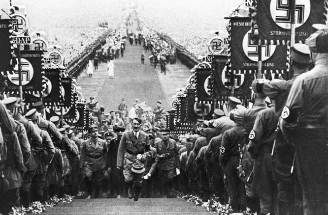 """Vì sao người yêu nước chân chính dưới thời Hitler lại bị coi là """"phần tử phản động""""? - H2"""