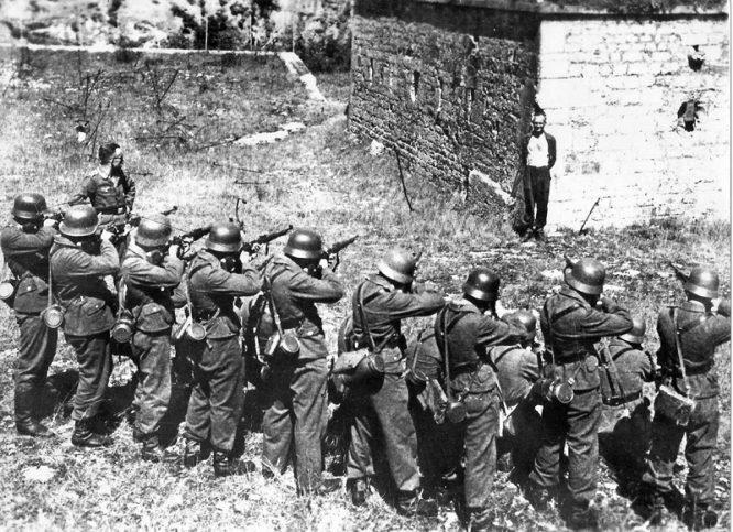 """Vì sao người yêu nước chân chính dưới thời Hitler lại bị coi là """"phần tử phản động""""? - H3"""