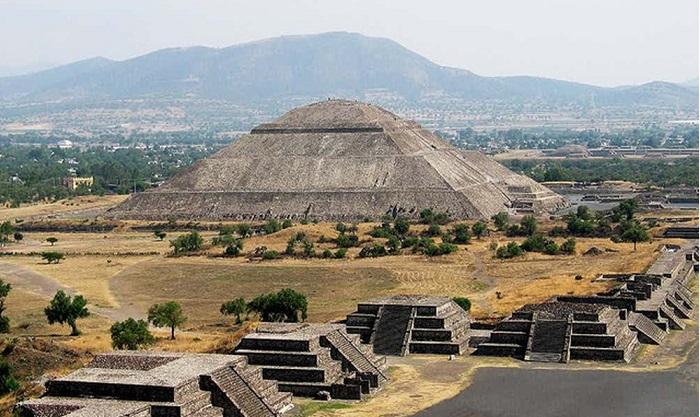 Đạikim tự thápCholula đã được ghi vào Kỷ lục Guinness là kim tự tháp lớn nhất thế giới.
