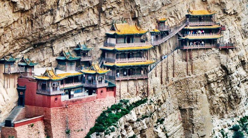 Vùng đất Sơn Tây có rất nhiều ngôi chùa cổ gắn với các giai thoại thần kỳ.