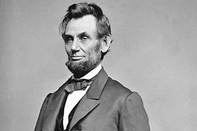 22 nhân vật nổi tiếng bị trừ khử khi cố gắng rời bỏ Hội Illuminati - Abraham Lincoln