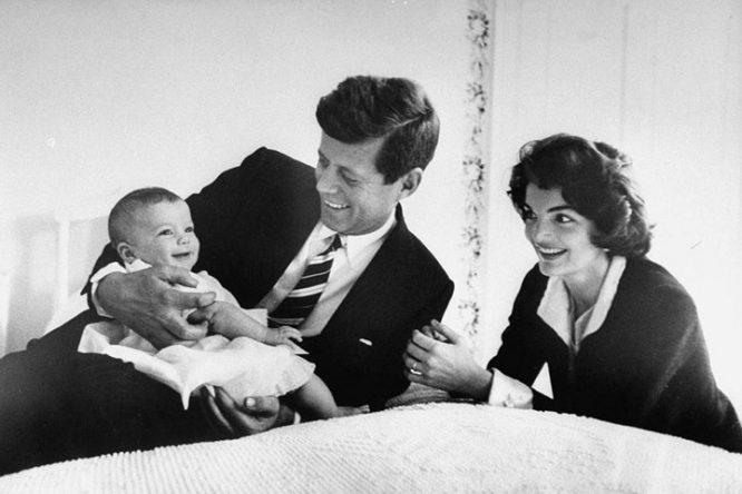 22 nhân vật nổi tiếng bị trừ khử khi cố gắng rời bỏ Hội Illuminati - John F. Kennedy