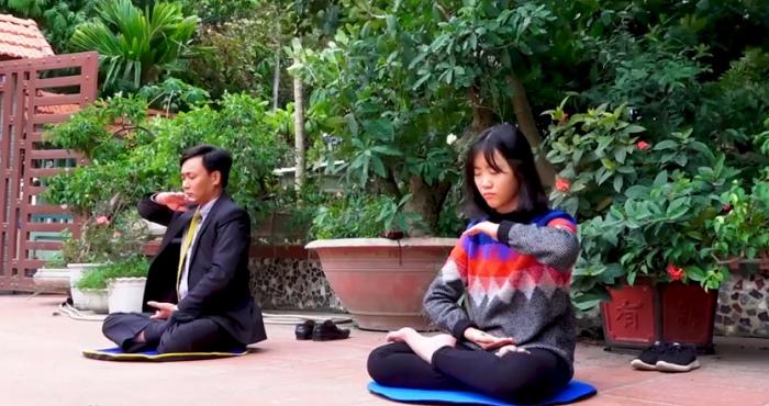 Cảm động người cha bôn ba tìm thuốc chữa bệnh cho con cuối cùng đắc được Phật Pháp.3