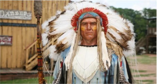Chiếc mũ lông vũ - Biểu tượng danh dự và tôn kính của thổ dân da đỏ h1
