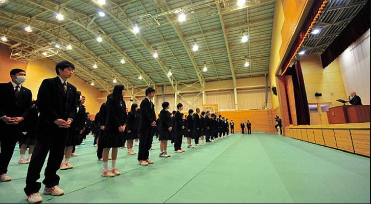 Trường trung học Nhật Bản cho học sinh hát quốc ca Trung Quốc.1