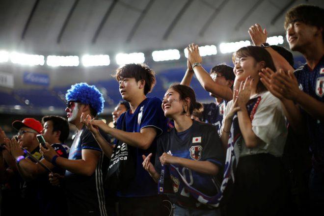 World Cup 2018: Hành động đẹp của cổ động viên Nhật Bản sau chiến tích lịch sử. 7