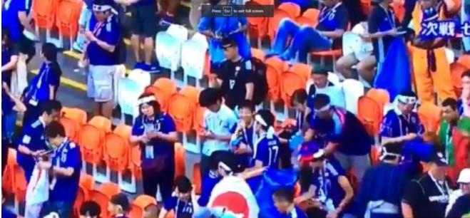 Các cổ động viên Nhật Bản luôn mang theo những túi lớn màu xanh dọn dẹp sạch sẽ khán đài sau mỗi trận thi đấu dù đội tuyển quốc gia của họ thắng hay thua trước những đội bóng mạnh hàng đầu thế giới.