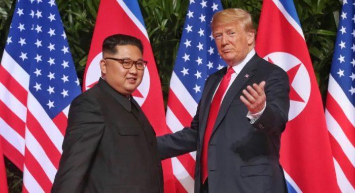 Tổng thống Trump tại hội đàm Trump - Kim và những lời nguyền rủa từ nước Mỹ.1