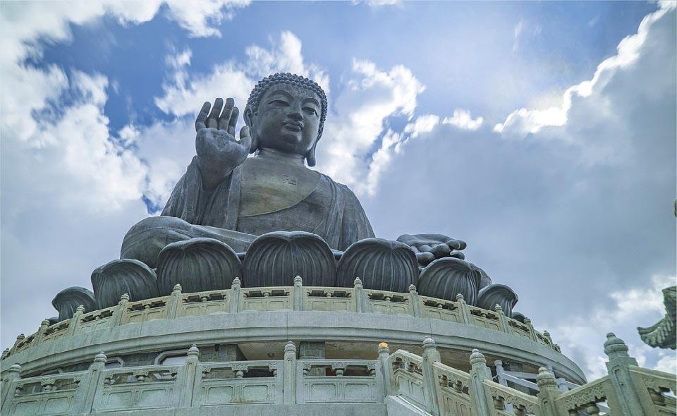 Thế ngoại cao nhân chữa bệnh thần kỳ (P.2): Phật độ người hữu duyên - ảnh 1