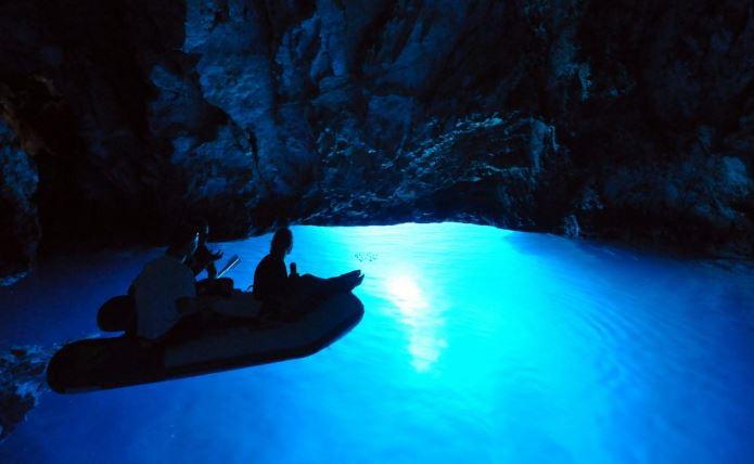 """Đảo Vis - Ngôi sao mới của phim """"Mamma Mia 2"""" - H6"""