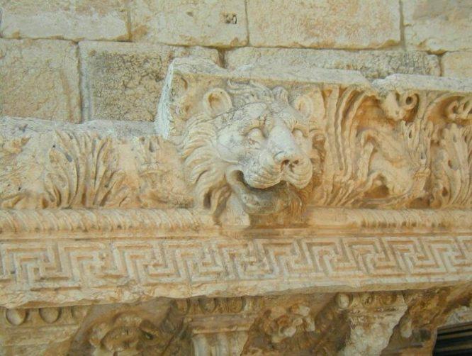 Ngôi đền Jupiter ở Li Băng: Kích cỡ đồ sộ đến mức vượt quá công nghệ hiện nay.7