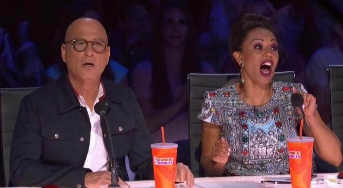 Các vị giám khảo đều rất kinh ngạc.