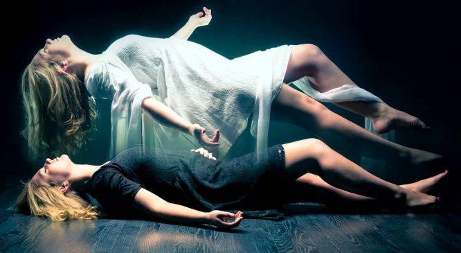 Nhà khoa học trải nghiệm xuất hồn tới một không gian khác - H1