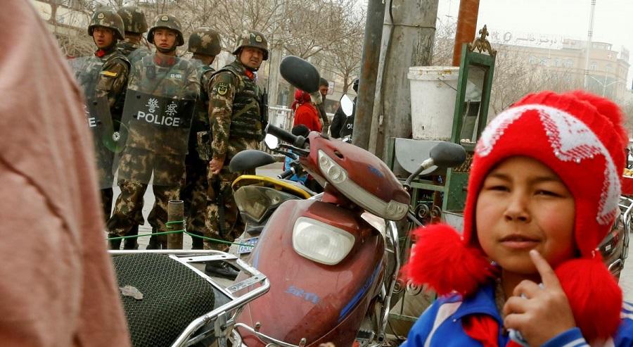 Bắc Kinh tự hào phô trương 'sự quản lý và chăm sóc nhân đạo' tại các trại tập trung ở Tân Cương