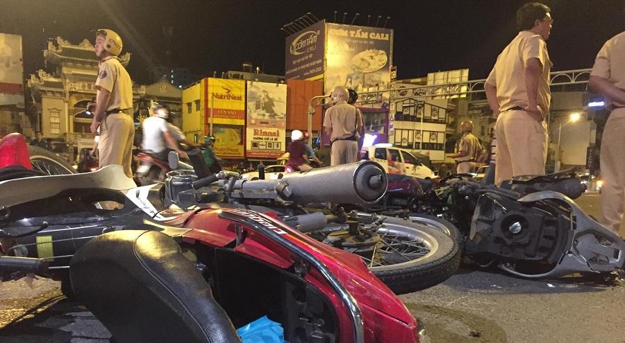 Bà Nguyễn Thị Nga là nữ tài xế BMW tông hàng loạt xe dừng đèn đỏ ở ngã tư Hàng Xanh