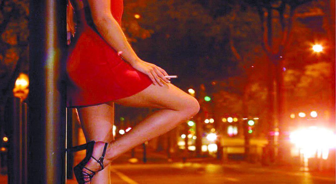 Dự thảo của Bộ GD & ĐT quy định sinh viên hoạt động mại dâm lần thứ tư sẽ bị buộc thôi học.