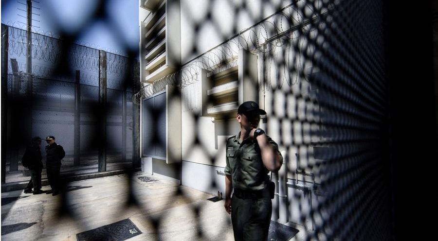 BBC tiết lộ về trại cưỡng bức lao động khổng lồ tại Tân Cương