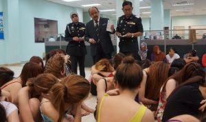 Hàng chục phụ nữ Việt bị bắt ở tụ điểm giải trí Malaysia