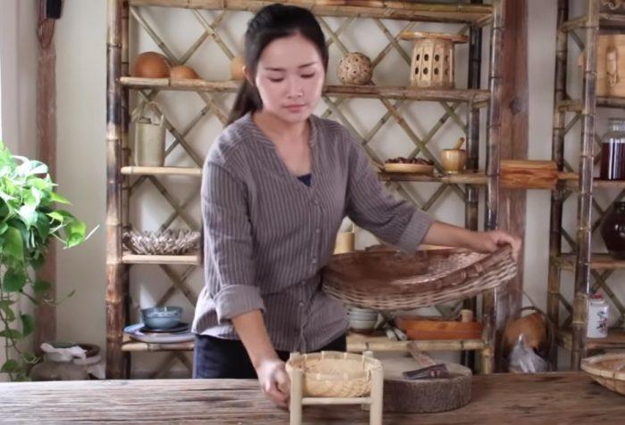 """'Thôn nữ' Điền Tây Tiểu Ca dạy nấu món súp """"bạch quả hầm với ruột non"""" cực dễ"""
