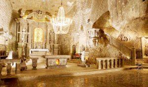 Thành phố ngầm huyền diệu được khắc hoàn toàn từ đá muối