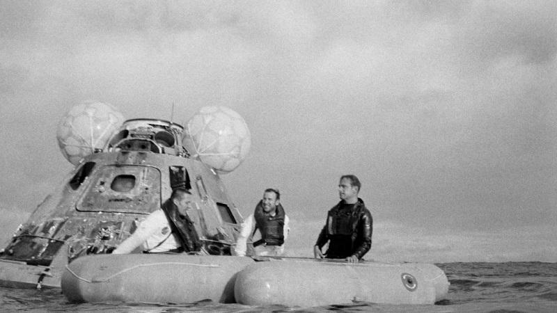 Module tàu vũ trụ Apollo 13 trở về Trái đất an toàn cùng phi hành đoàn. (Ảnh qua apollo13.spacelog.org)