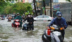 Bí kíp để xe không bị chết máy khi đi vào vùng ngập nước