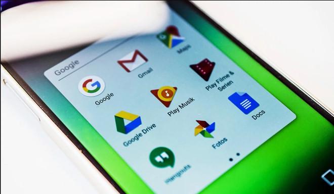 Một điện thoại sử dụng hệ điều hành Android của Google. Nếu như Iphone và IOS phổ biến ở Bắc Mỹ và châu Á thì châu Âu lại là thị trường của Android với 70% số lượng điện thoại thông minh bán ra ở đây sử dụng hệ điều hành này. Ảnh: Shutterstock.