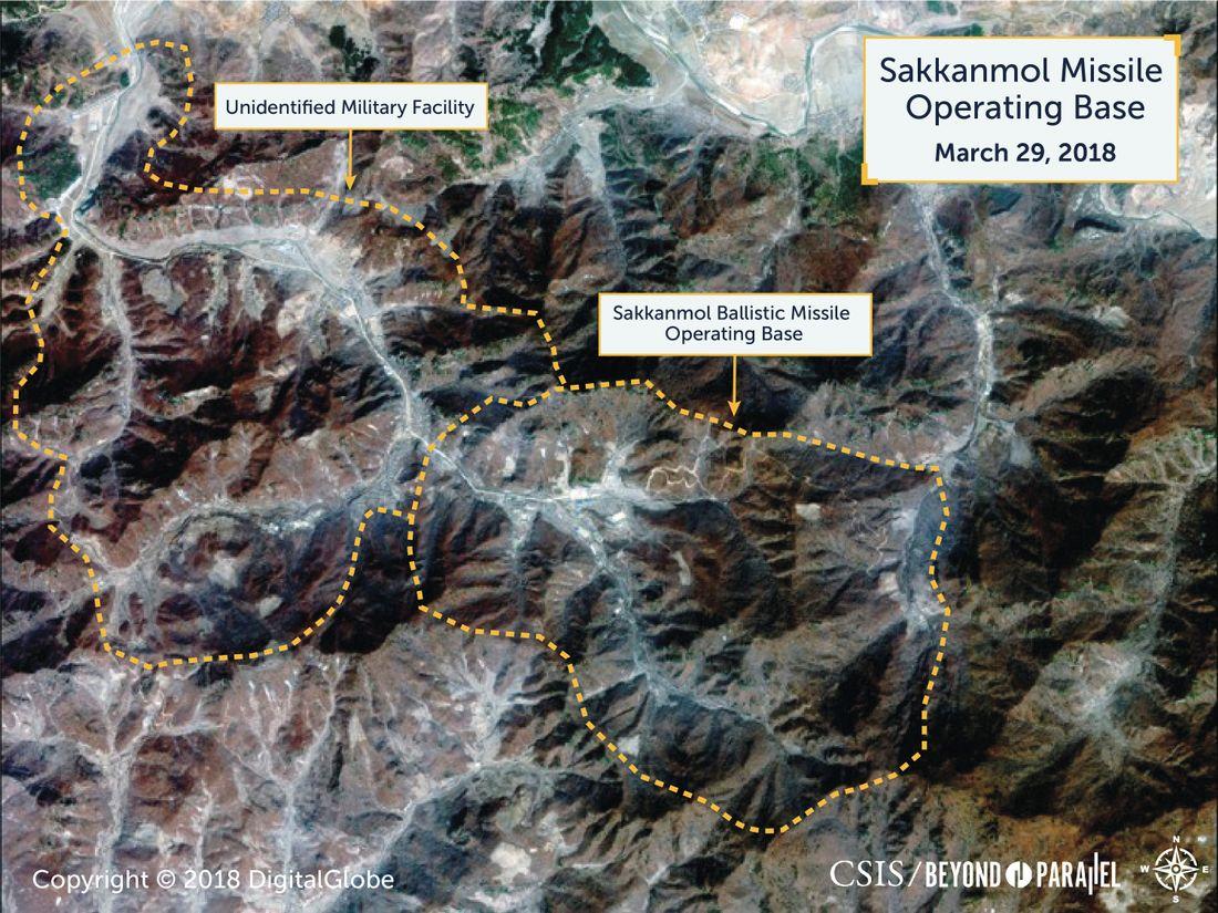 Hình ảnh vệ tinh một cơ sở tên lửa ở Sakkanmol.