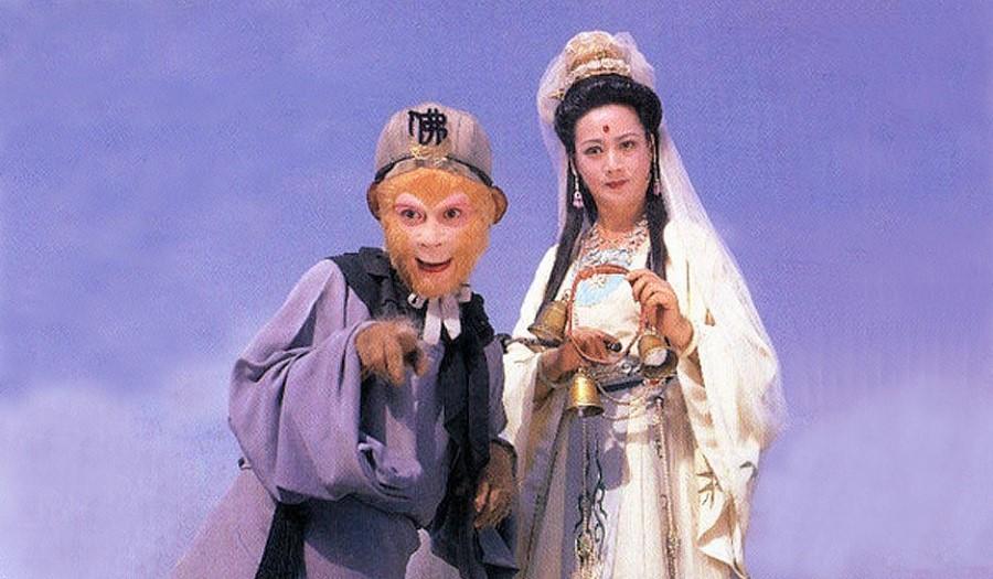 Tôn Ngộ Không đối với Bồ Tát Quán Âm kỳ thực rất phải phép và giữ lễ độ. (Ảnh qua kknews.cc)