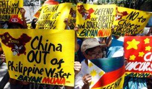 Người dân Philipinese biểu tình phản đối chuyến thăm của ông Tập
