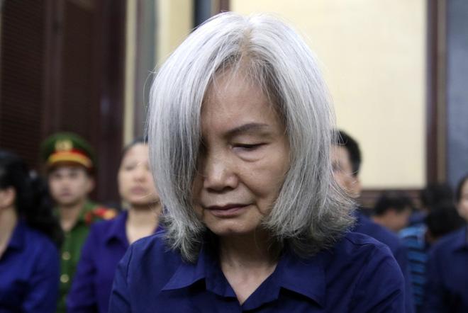 Bà Nguyễn Thị Kim Xuyến (Phó tổng giám đốc Ngân hàng Đông Á) tại phiên xử.