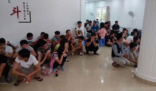 Cảnh sát Campuchia bắt 91 người Trung Quốc và Indonesia bị nghi tham gia các vụ gian lận viễn thông ở tỉnh Preah Sihanouk vào tháng 7 năm ngoái.Cảnh sát Campuchia bắt 91 người Trung Quốc và Indonesia bị nghi tham gia các vụ gian lận viễn thông ở tỉnh Preah Sihanouk vào tháng 7 năm ngoái.