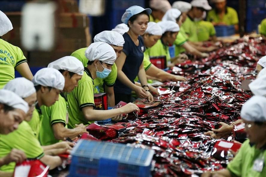 Cả công ty Mỹ và Trung Quốc đều nói rằng cuộc chiến thương mại đang khiến họ mất thị phần đối với các đối thủ cạnh tranh từ Việt Nam. (Nguồn: Internet)