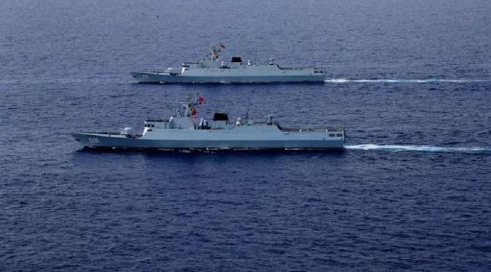 Tàu hải quân Trung Quốc hoạt động trên Biển Đông. (Ảnh quaCNBC)