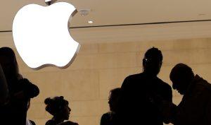 """Những chiêu trò """"móc túi"""" của Apple bị hàng trăm người tố cáo"""