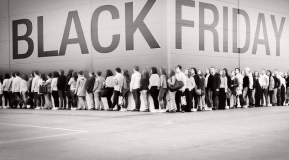 Nhan viên bán hàng tiết lộ bí mật đen tối về ngày Black Friday. (Ảnh: Internet)