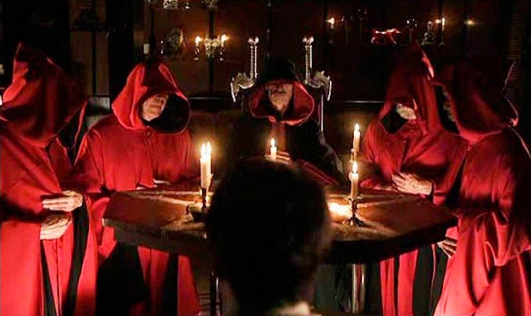 Một nghi lễ của tín đồ Satan giáo. (Ảnh qua Twipu)