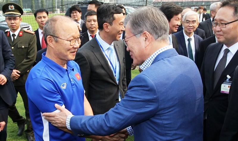 Vì tình yêu của khán giả Việt với HLV Park Hang-seo, Hàn Quốc nới quy định visa