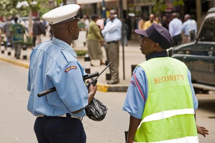 Thầy giáo bỏ trốn khi cảnh sát điều tra cái chết của Joy Wangari. Ảnh: Alamy.