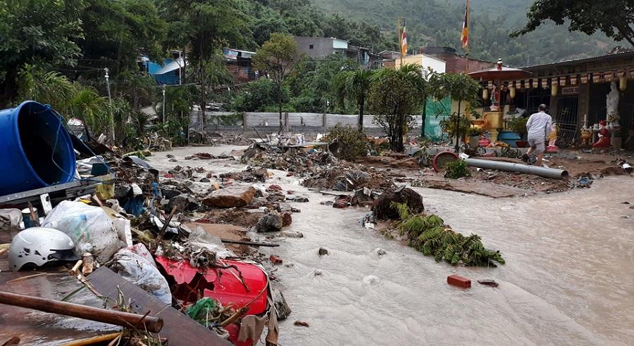 Thiệt hại nặng nề do mưa lũ ở Nha Trang là do đâu?. Ảnh 1