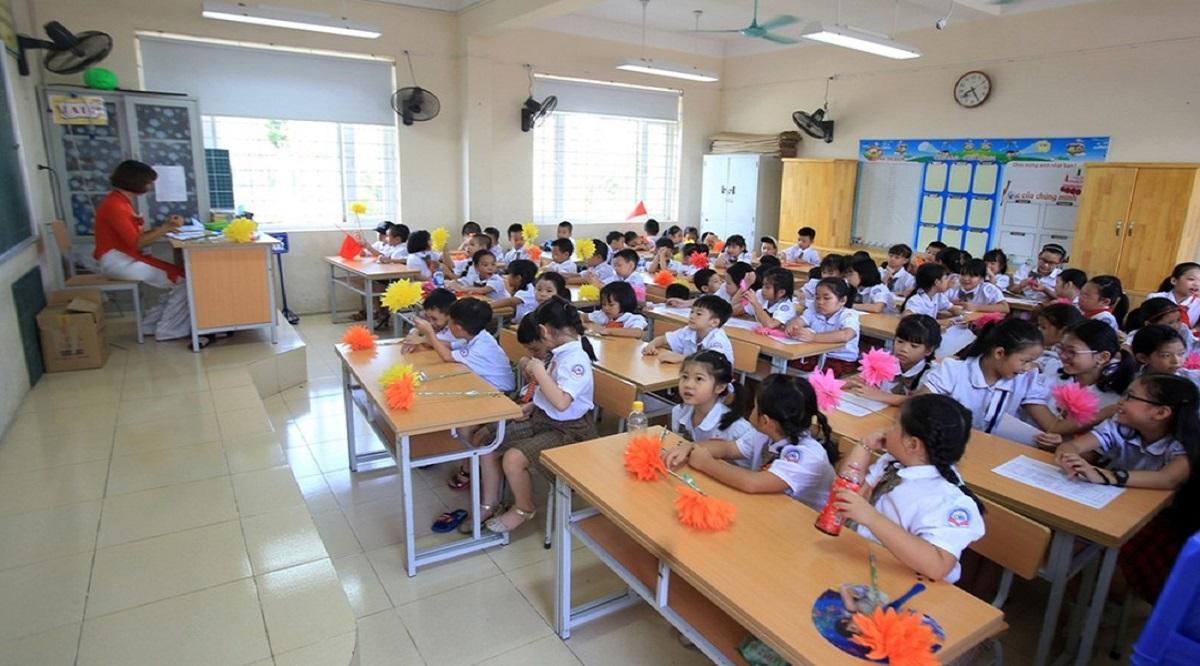 Nhiều trường học đang tự thu trái quy định. (Ảnh: Internet)