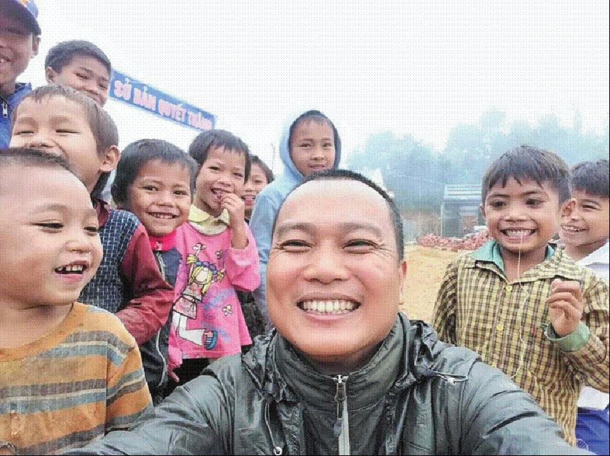 Phạm Đình Quý (Hà Nội) đã kêu gọi bạn bè và các nhà hảo tâm cùng chung tay thực hiện ý tưởng xây dựng 100 điểm trường mới cho trẻ em vùng cao.