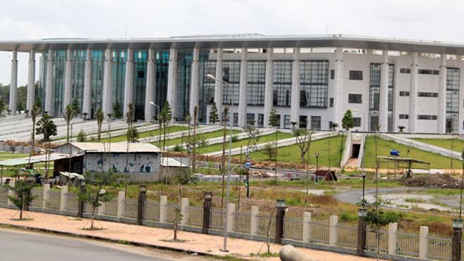 Trụ sở làm việc và hội trường Tỉnh ủy Hậu Giang hoành tráng trị giá 300 tỉ đồng.