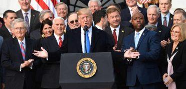 Cải cách thuế của TT Trump giúp nước Mỹ đi trên con đường vĩ đại trở lại?