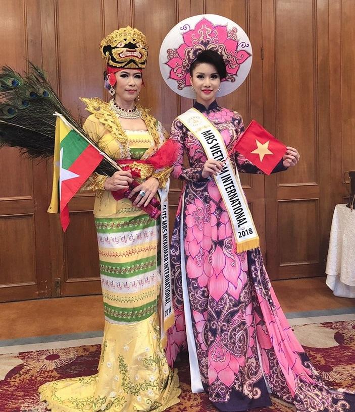 Loan Vương trong trang phục truyền thống. (Nguồn: Internet)