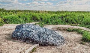 Bí ẩn những hòn đá thần kỳ biết 'đi', biết 'khóc' như có sinh mệnh