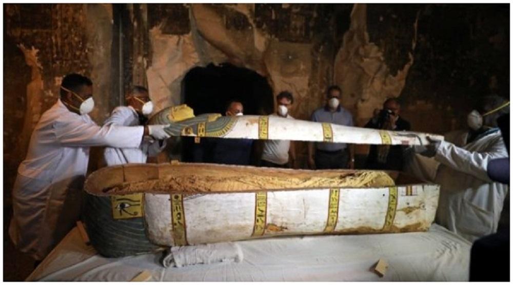 Quan tài xác ướp 3.500 năm được khai quật (Ảnh:Reuters )