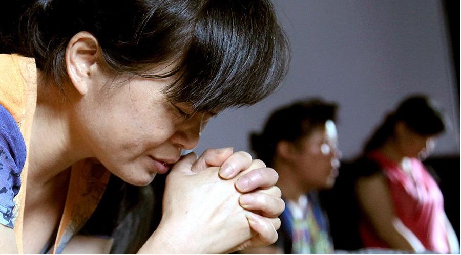 Trung Quốc: Chính phủ muốn viết lại Kinh Thánh- Ảnh 1